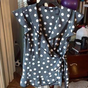 Axcess by Liz Claiborne wrap blouse in sz Lg